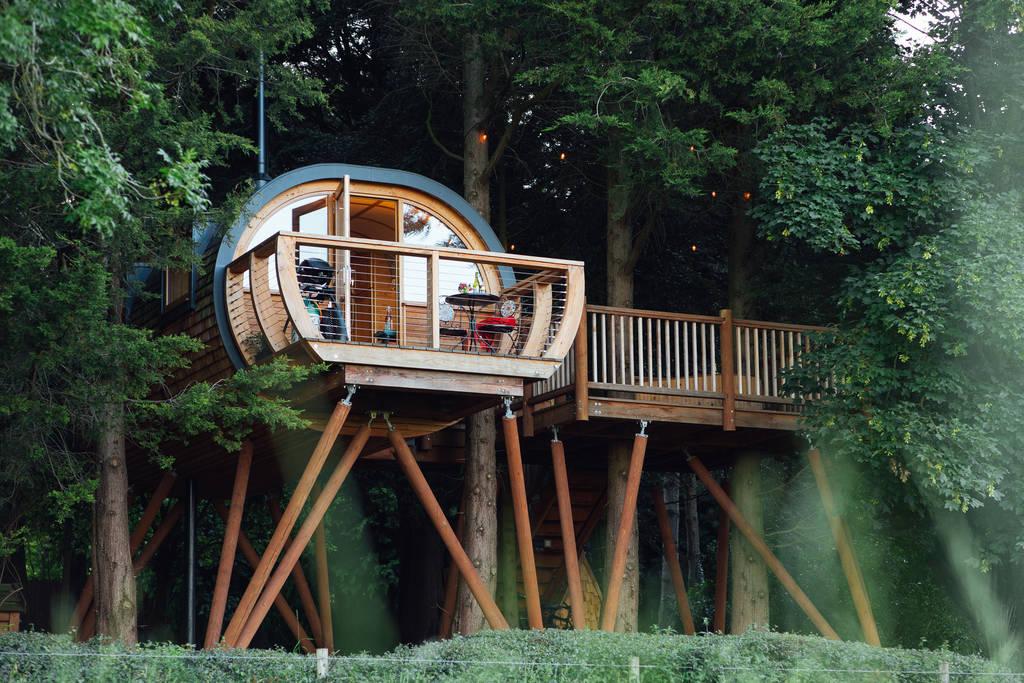 Casa Dabinett, o casuta minunata de vacanta construita in copac